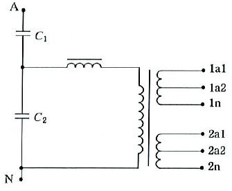 具有两个带抽头的二次绕组的单相互感器